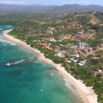 Costa_Rica_Playa_Tamarindo_and_Rivermouth_2007_Aerial_Photograph_Tamarindowiki_01