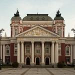 el-teatro-mas-antiguo-de-bulgaria1